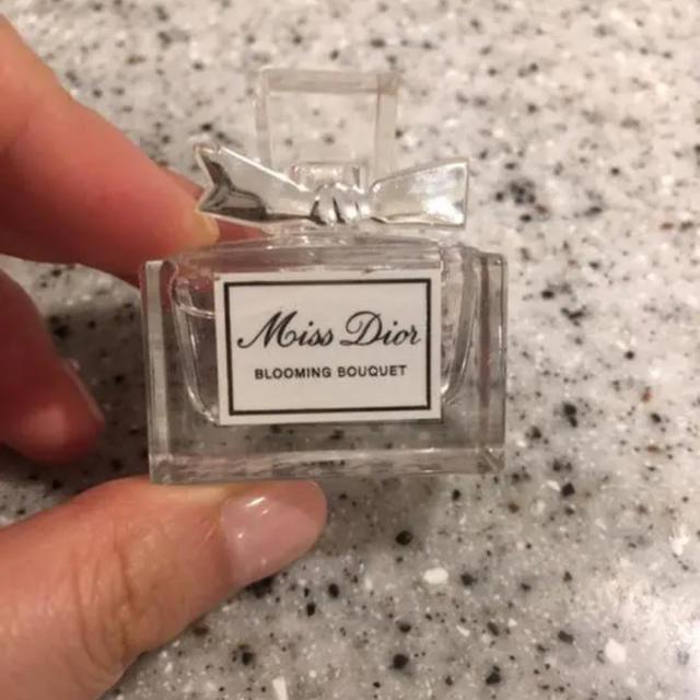 Christian Dior(クリスチャンディオール)の[新品 未使用]Dior 香水 ミスディオール ブルーミングブーケ ミニサイズ コスメ/美容の香水(香水(女性用))の商品写真