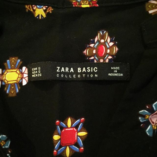 ZARA(ザラ)のビジュー柄★襟なしブラウス レディースのトップス(シャツ/ブラウス(長袖/七分))の商品写真