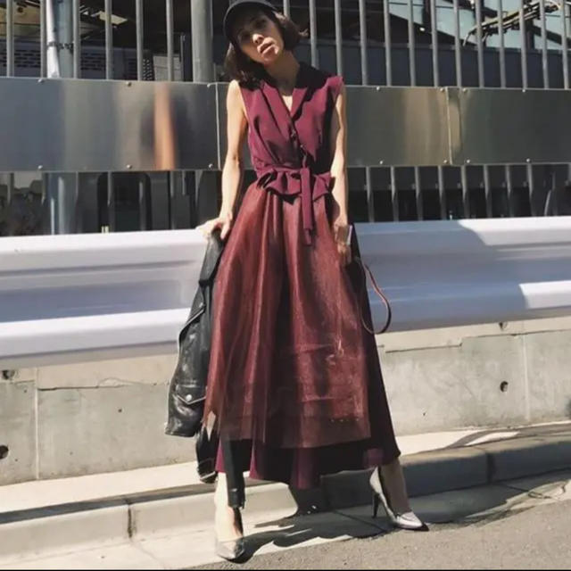 Ameri VINTAGE(アメリヴィンテージ)のAMERI VINTAGE TULLE DOCKING DRESS レディースのワンピース(ロングワンピース/マキシワンピース)の商品写真