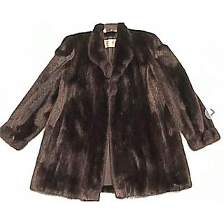 ミンクのコート ブラック ムーンバット製 美品(毛皮/ファーコート)