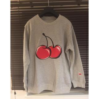 防弾少年団(BTS) - ビックシルエットチェリー刺繍トレーナー 韓国アイドル着用デザイン