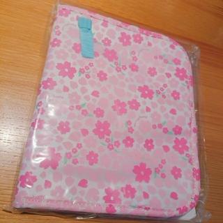 キャスキッドソン(Cath Kidston)の新品未使用 たまひよ 母子手帳ケース 女の子 花柄(母子手帳ケース)