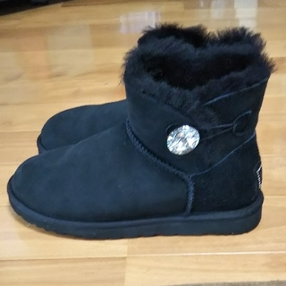 UGG - UGG MINI BAILEY BUTTON BLING ムートンブーツ23.0