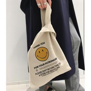 L'Appartement DEUXIEME CLASSE - L'Appartement Smile Tote Bag