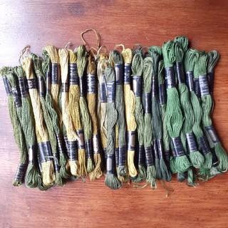 オリンパス(OLYMPUS)のOLYMPUSグリーン系刺繍糸60本(生地/糸)