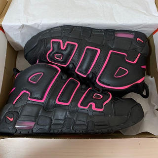 NIKE - 黒とピンクの モアテン 24.5