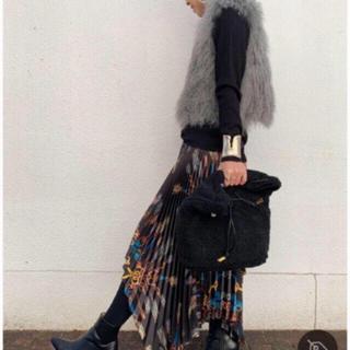 ZARA - プリーツ入り スカーフ柄 スカート
