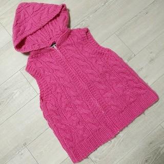 ウール100% ピンクのフード付きジッパー ベスト(ニット/セーター)