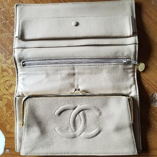 CHANEL - CHANELの財布