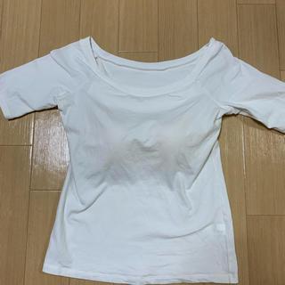 ユニクロ(UNIQLO)のUNIQLO カップ付きTシャツ(Tシャツ(半袖/袖なし))