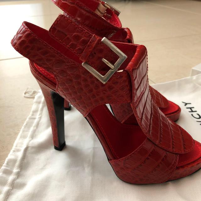 GIVENCHY(ジバンシィ)のジバンシイ サンダル レディースの靴/シューズ(サンダル)の商品写真