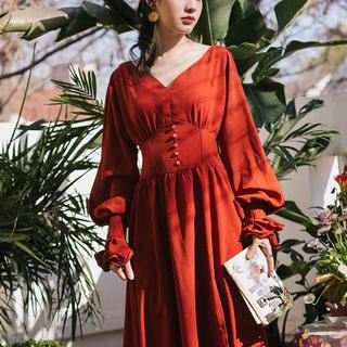 Lily Brown - 燃ゆる真紅のコルセットワンピース