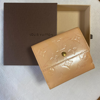 LOUIS VUITTON - ルイヴィトン LV モノグラム ヴェルニ 折財布 二つ折り財布 オフホワイト