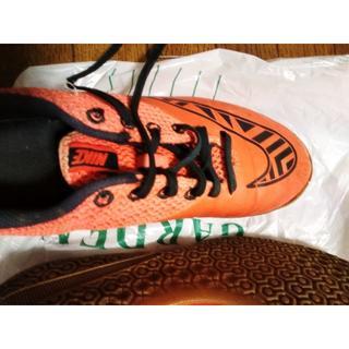 NIKE - ナイキ、オレンジのスニーカー