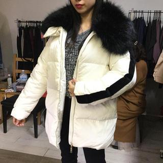 ブランド❤️BIGファー付き袖サイドベロアライン付きダウンジャケット 白×黒