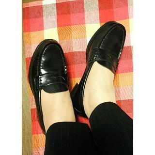 ハルタ(HARUTA)の高校生❥ローファー/黒⚠️コメントのお返事はプロフィールに致します😊(ローファー/革靴)