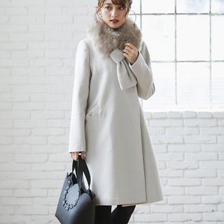 トッコ(tocco)の冬の「可愛い」を更新するファーティペット付きポケットりぼんAラインコート(ロングコート)
