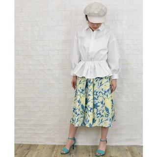 【新品タグ付き】 k*ボタニカル柄フレアスカート(ひざ丈スカート)