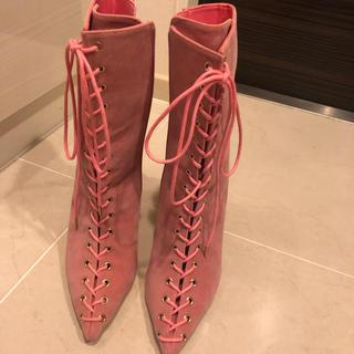 イエローブーツ(Yellow boots)のピンク派手ブーツ(ブーツ)