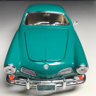 フォルクスワーゲン(Volkswagen)の美品 1966年式フォルクスワーゲン カルマンギア 1/18 ミニカー(ミニカー)