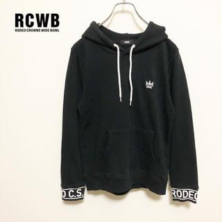 ロデオクラウンズワイドボウル(RODEO CROWNS WIDE BOWL)の【RCWB】胸クラウン刺繍&袖ロゴ スウェットパーカー 美品(パーカー)