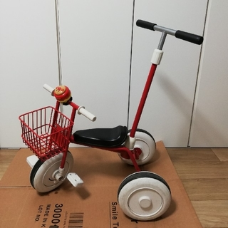 ムジルシリョウヒン(MUJI (無印良品))の無印 舵取り棒付き カゴ付き 三輪車 レッド アンパンマン(三輪車)