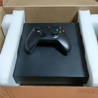 マイクロソフト(Microsoft)のXBOX ONE X 本体(家庭用ゲーム機本体)