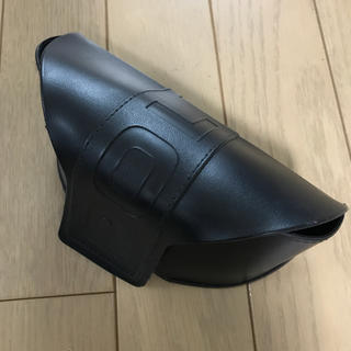 ポリス(POLICE)の新品未使用 POLICE サングラスケース 黒  メガネケース(サングラス/メガネ)