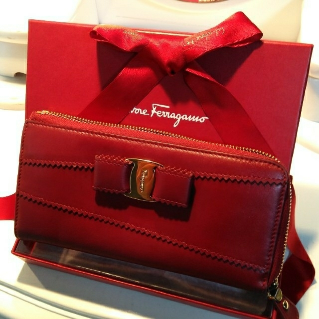 radiomir panerai - Ferragamo - 正規Salvatore Ferragamoヴァラ長財布の通販 by ゆうショップ