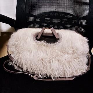 ペリーコ(PELLICO)のペリーコ ANEELLI 羊毛 ファーバッグ ショルダーバッグ ムートンバッグ(ショルダーバッグ)
