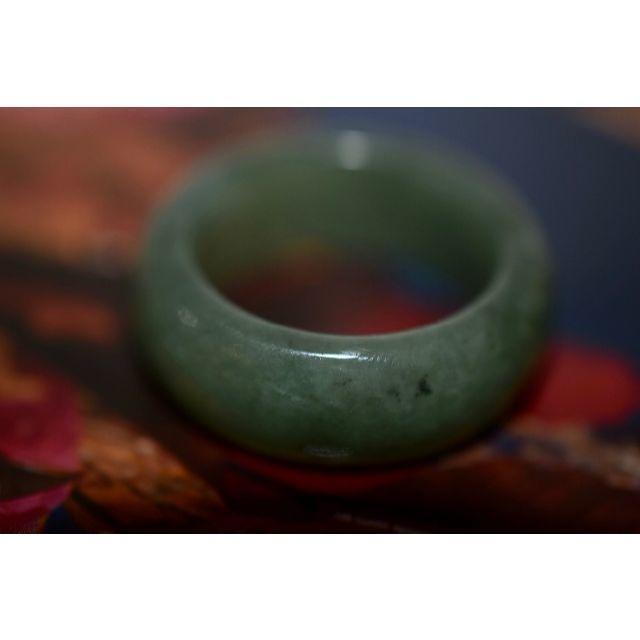 154-13 25.0号 天然 A貨 グリーン 翡翠リング  硬玉ジェダイト メンズのアクセサリー(リング(指輪))の商品写真
