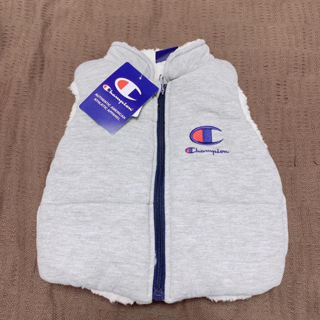 Champion(チャンピオン)の新品未使用タグ付 チャンピオン ボアベスト キッズ/ベビー/マタニティのベビー服(~85cm)(ジャケット/コート)の商品写真