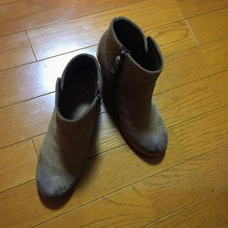 クラークス(Clarks)の♬クラークスのブーツ 太ヒール スエード used加工(ブーツ)