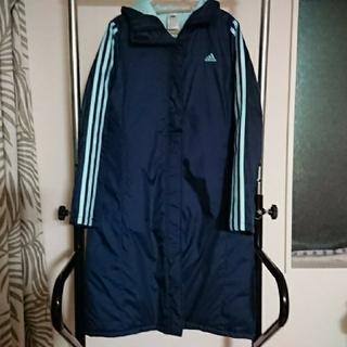 アディダス(adidas)の美品アディダス ベンチコート Lサイズ子供とお揃い 紺色水色ライン(ダウンコート)