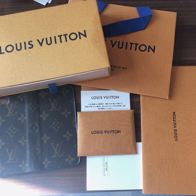 LOUIS VUITTON - VUITTONiPhoneケースの通販