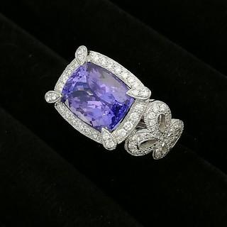 K18WG ✨タンザナイト✨ダイヤ✨♥️お姫様にプレゼントしたい♥️綺麗な指輪(リング(指輪))