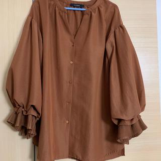 ダブルクローゼット(w closet)の袖フリルボリューム ブラウス(シャツ/ブラウス(長袖/七分))