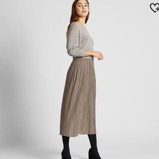 ユニクロ(UNIQLO)の☆新品タグ付き☆ UNIQLOプリーツスカート紺(ロングスカート)