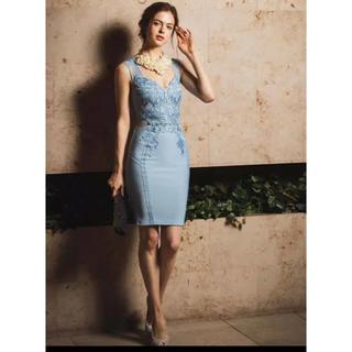 リプシー(Lipsy)のLipsy ミディ丈レースワンピース ドレス 完売商品(ミディアムドレス)