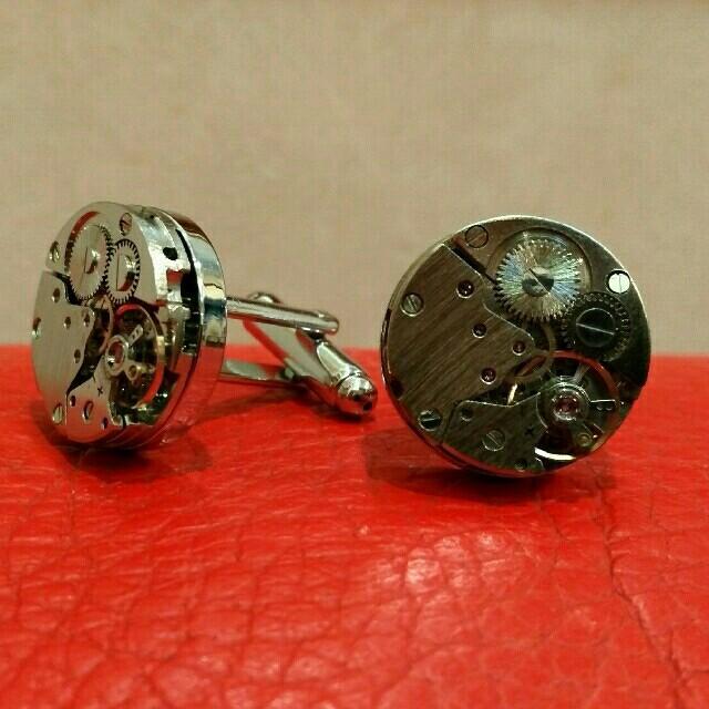 ブライトリング スーパー コピー 通販分割 - 本物の時計のムーブメントのカフスボタンです。の通販 by j70515's shop