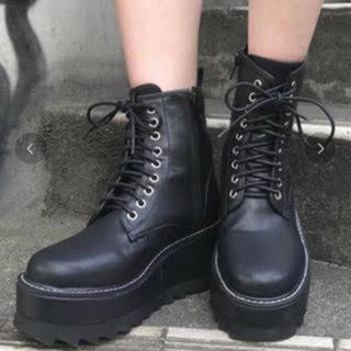 アンビー(ENVYM)の厚底ブーツ(ブーツ)