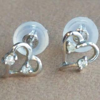 【K18WG】◆ダイヤモンド0.02×2付 ハートデザインピアス(ピアス)