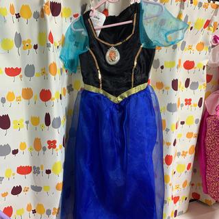 アナトユキノジョオウ(アナと雪の女王)のアナのドレス(衣装)