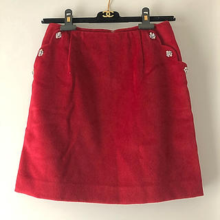 クイーンズコート(QUEENS COURT)の美品 クリーニング済☆QUEENSCOURT☆ジュエルポケット付赤いスカート(ミニスカート)