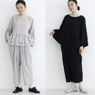 メルロー(merlot)のmerlot plus ぺプラムトップスセットアップ パンツドレス 【ブラック】(その他ドレス)