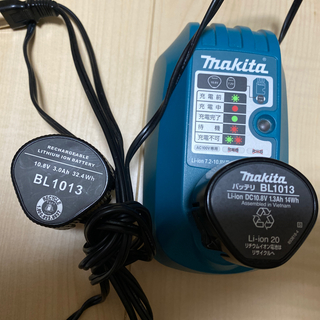 マキタ(Makita)のTake様専用 マキタ バッテリー チャージャー、バッテリー2つ(バッテリー/充電器)
