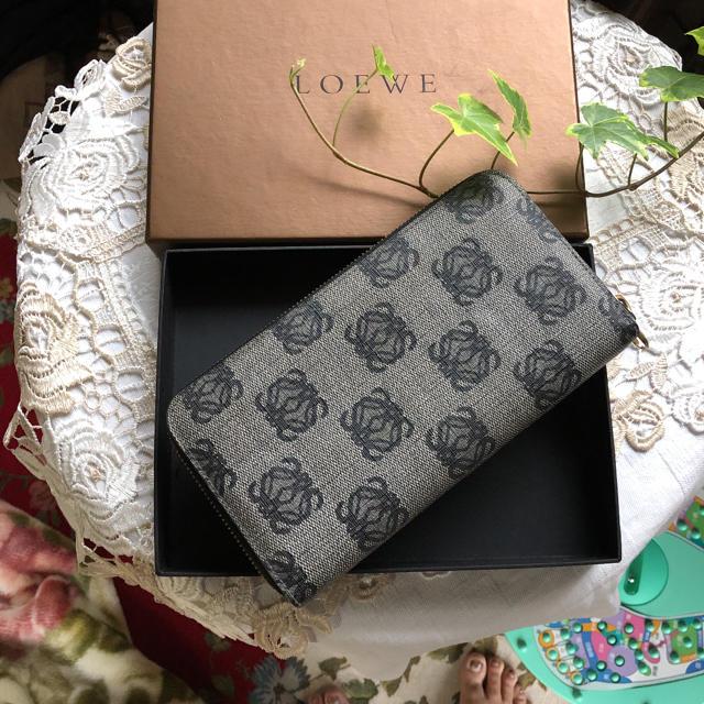 LOEWE - LOEWE ロエベ のラウンドファスナー長財布の通販 by attic emily