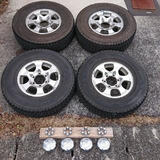 ミツビシ(三菱)のデリカ スペースギア スタッドレス タイヤ4本(タイヤ・ホイールセット)