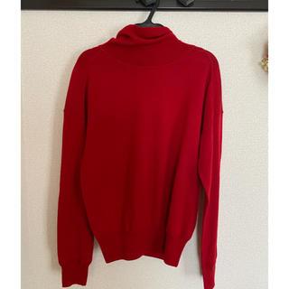 ヒューマンウーマン(HUMAN WOMAN)の美品●human woman ボタン付きタートルニット 赤(ニット/セーター)