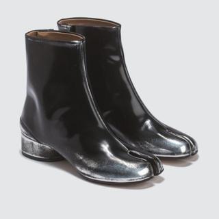 マルタンマルジェラ(Maison Martin Margiela)のマルジェラ 足袋 ブーツ シルバースプレー(ブーツ)